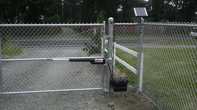 uploads/chain_link_auto_swing_gate_08012017171512.jpg